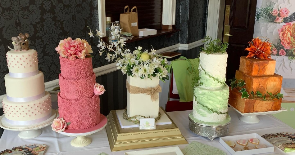 Image 2: Tree House Cakes