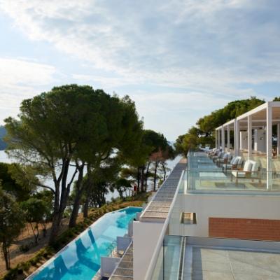 Enjoy an incredible range of wellness activities on your honeymoon at Elivi Skiathos