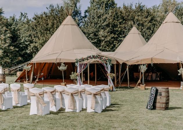 Overgrown Acres Weddings, Nottingham, Nottinghamshire